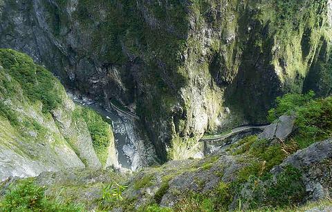 锥麓大断崖的图片