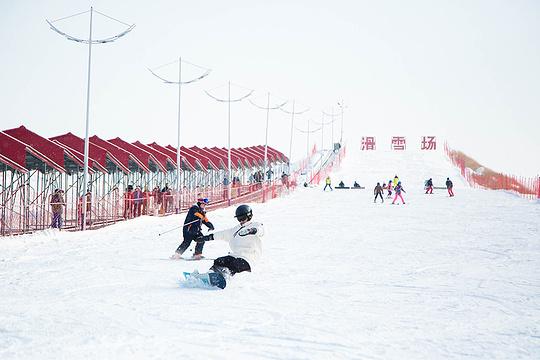 雪村滑雪场旅游景点图片