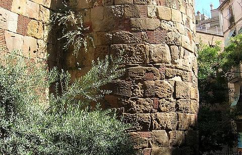 古罗马城墙高塔