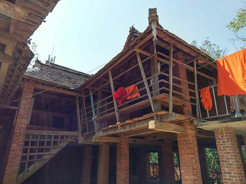 曼丢村寨旅游景点图片