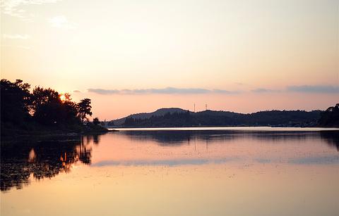 长湖的图片