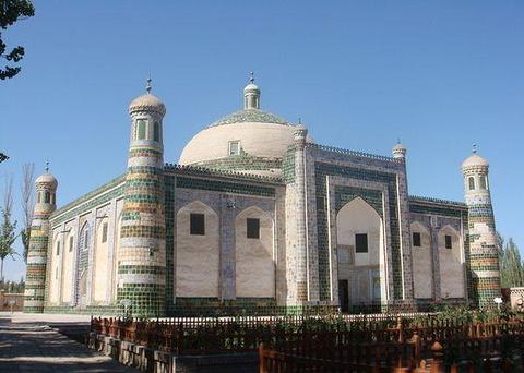 麻赫穆德·喀什噶里墓