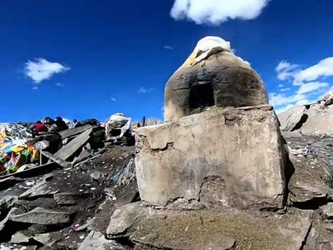 贡布日神山旅游景点图片
