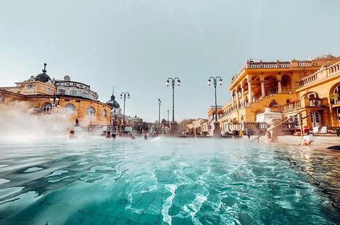 塞切尼温泉
