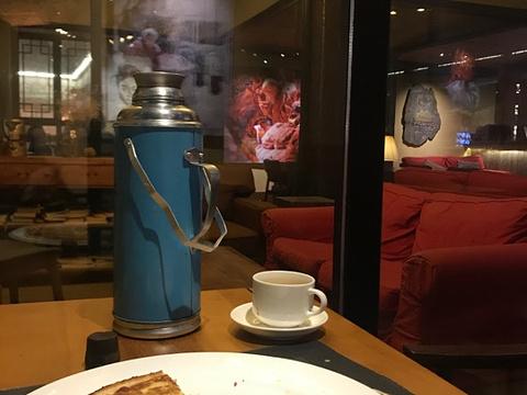 冈拉梅朵艺术餐厅·街景咖啡吧旅游景点图片