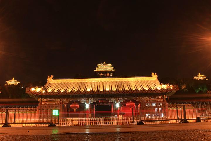 """""""景山公园是我觉得北京最值得推荐的景点,没有之一!门票2元,可网络购票。_景山公园""""的评论图片"""