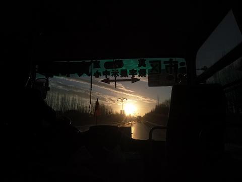 莫高窟旅游景点图片