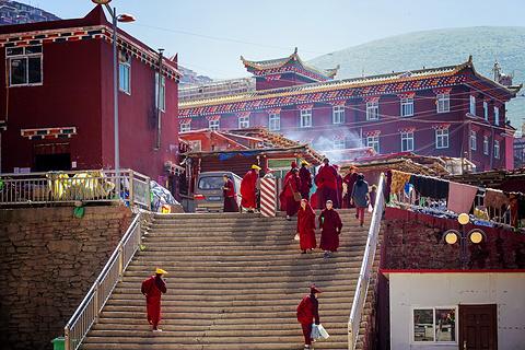 色达喇荣五明佛学院旅游景点攻略图