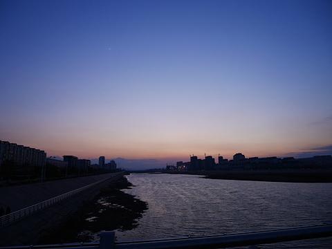 布尔哈通河