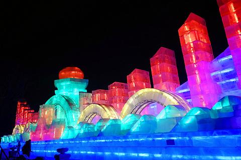 哈尔滨老街冰灯