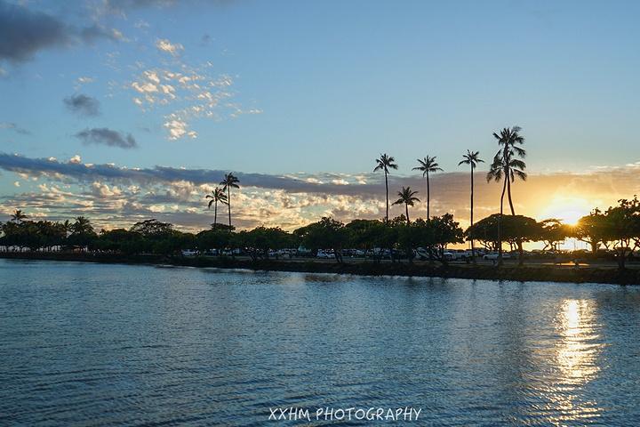 """""""阿拉莫纳海滩公园 Ala Moana Beach Park有免费的淋浴和洗手间,排球场也是免费使用_阿拉莫纳海滩公园""""的评论图片"""