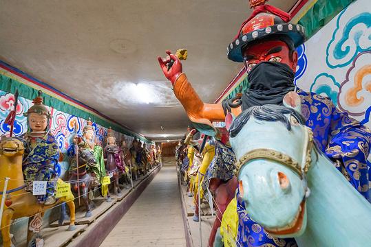 格萨尔王殿旅游景点图片