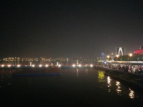 月光码头旅游景点图片