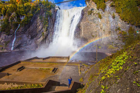 蒙特伦西瀑布旅游景点图片