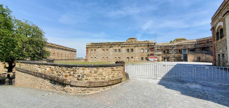 埃伦布赖特施泰因要塞旅游景点图片