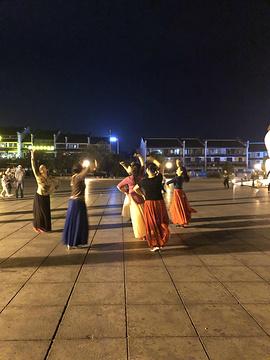 巴陵广场旅游景点攻略图