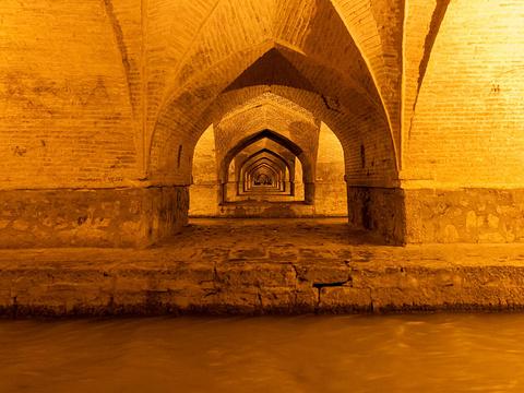 三十三孔桥旅游景点图片