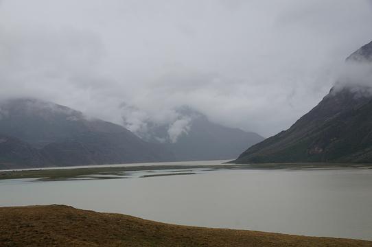 然乌湖旅游景点图片