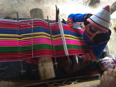 基诺山寨旅游景点图片