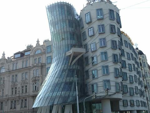 跳舞的房子旅游景点图片