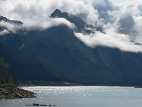 巫药湖旅游景点图片