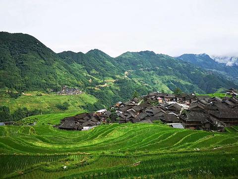 老洞苗寨旅游景点图片
