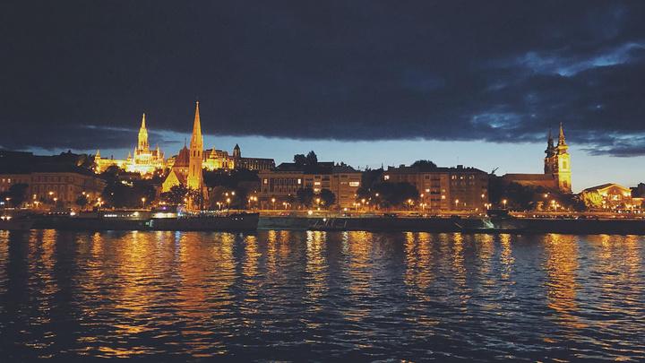 """""""在号称当地最好的游船公司——Legenda City Cruises——订了一个晚上在多瑙河上..._多瑙河""""的评论图片"""