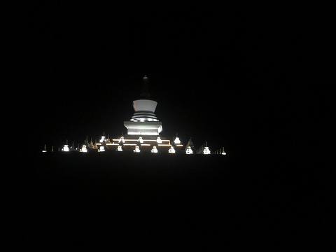 稻城县城的图片