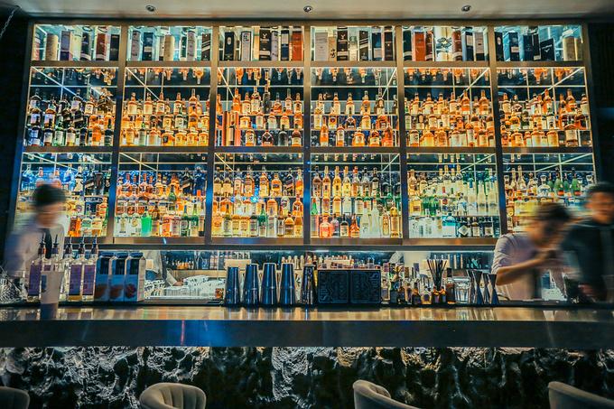 隐醉酒吧,酒精与花朵的微妙碰撞图片
