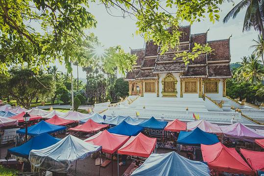 琅勃拉邦早市旅游景点图片