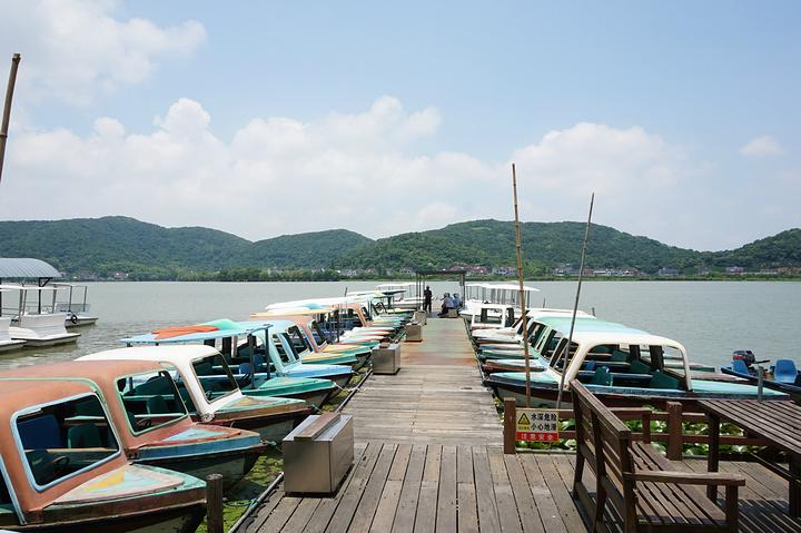 """""""白鹭洲,是观赏湖景的最佳地点;景色都差不多,所以不用浪费时间去2个岛都参观,只游览其1就可以了_南北湖""""的评论图片"""