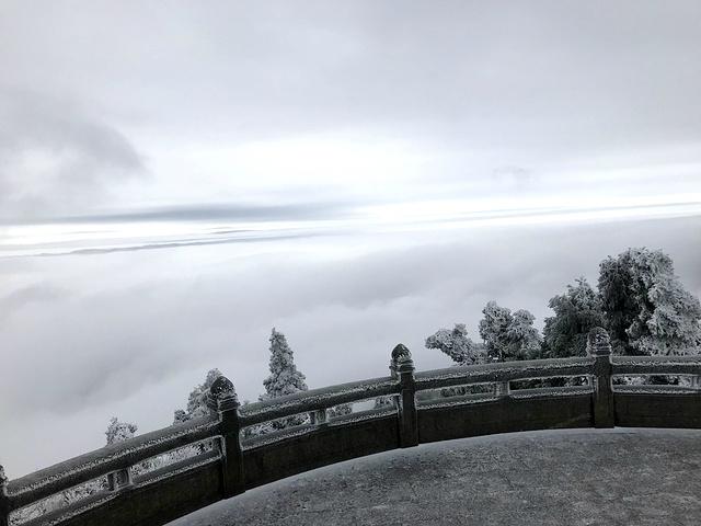 """""""南岳和祝融峰构成了祈福路上的龙头 和龙 尾,我们此行的路线是大庙-徒步登山-祝融峰。很是感谢_南岳大庙""""的评论图片"""