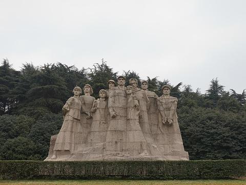 烈士群雕旅游景点图片