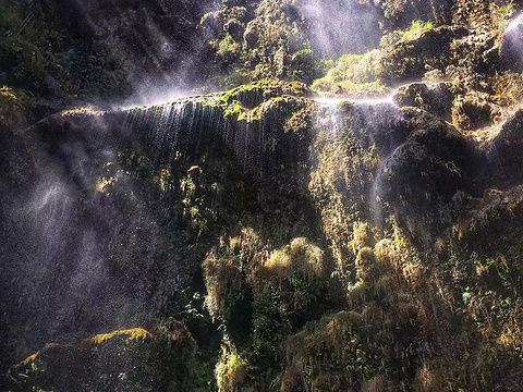 Tumalog Falls旅游景点图片