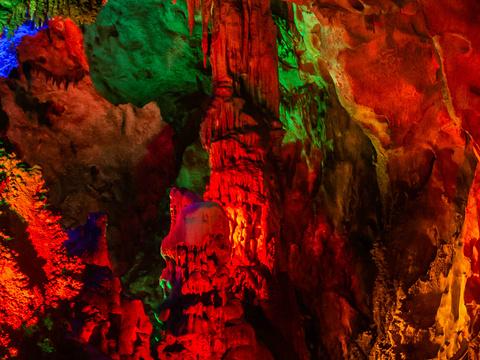 天钟洞旅游景点图片