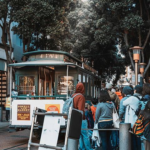 """""""...well-Hyde 两线电缆车均经过广场,而各路线巴士也几乎都经过这里或邻近大街,交通非常方便_联合广场""""的评论图片"""