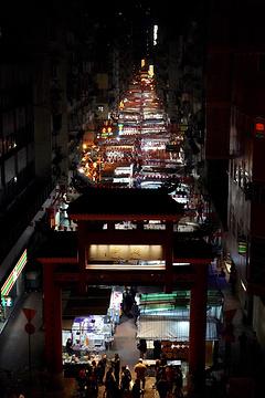 庙街夜市的图片