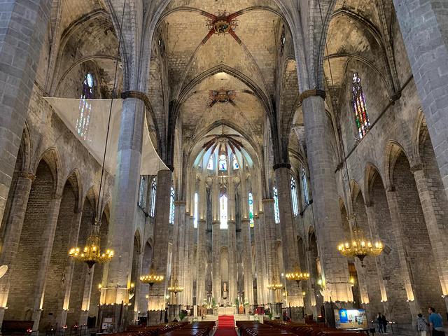 """"""" 从教堂出来,我们都在感慨这个教堂的宏伟,有趣的是,这给后面的游览留下了伏笔_海洋圣母教堂""""的评论图片"""